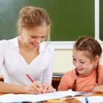 Порошенко дал очередное обещание: зарплата учителей должна вырасти на треть