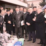 33 владельцам трех и более коров подарили доильные аппараты