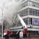 В Луцке горел ЦУМ. Пожарные не могли справиться с огнем
